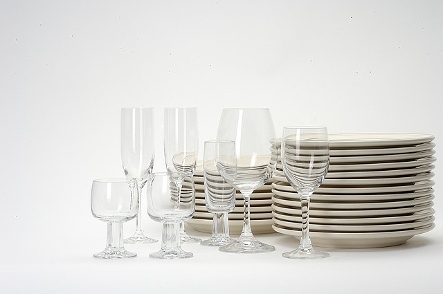 dishes-1348213_640