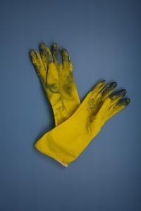 gloves-415390_1280