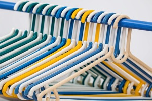 clothes-hangers-582212_1280(1)
