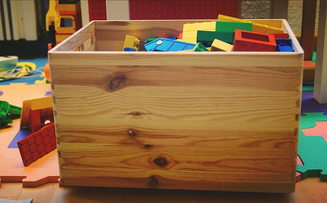 toy-box-1916163_640